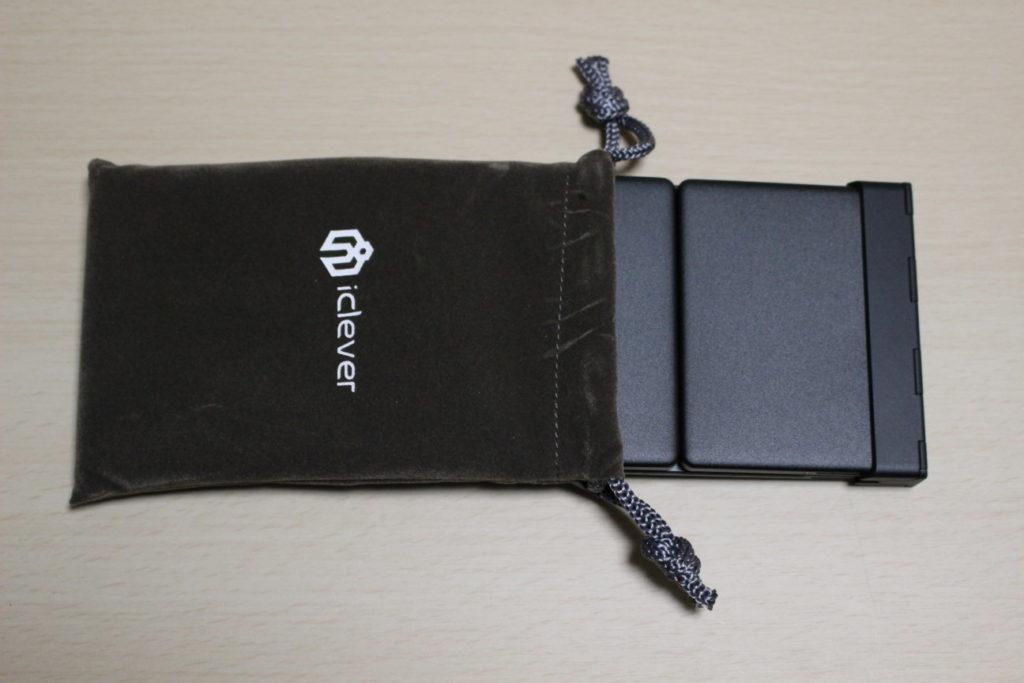 iCleverのIC-BK03(Bluetoothキーボード)のキャリングポーチ
