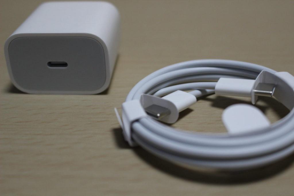 iPad Pro (2020)の電源アダプタ