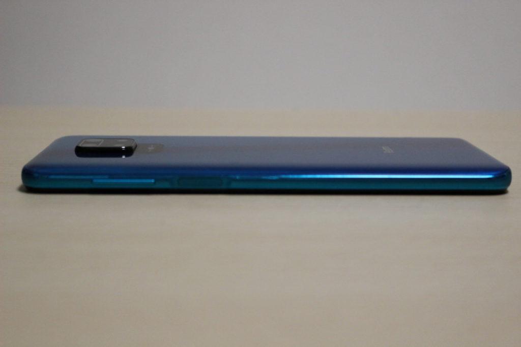 Redmi Note 9S本体右側
