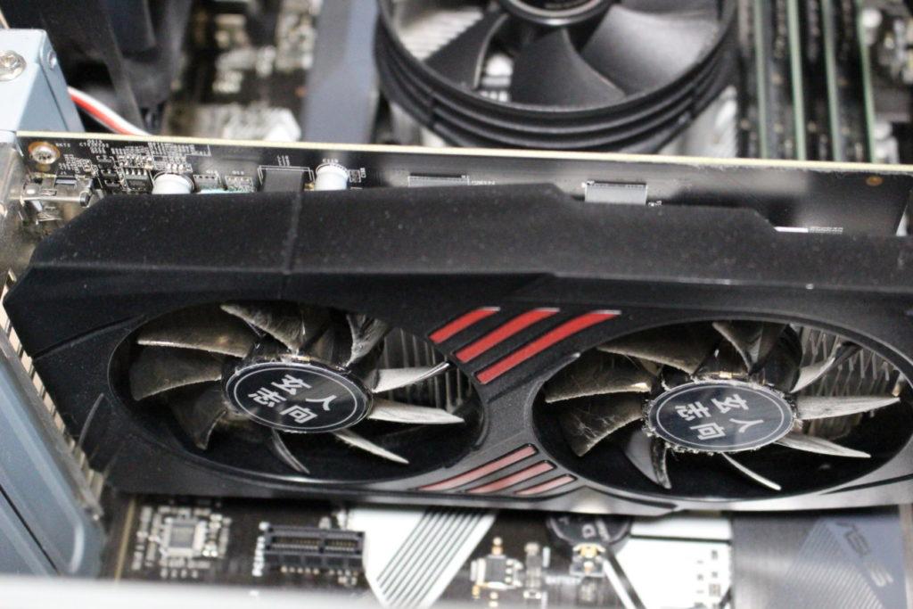 GTX1050Tiをパソコンに接続