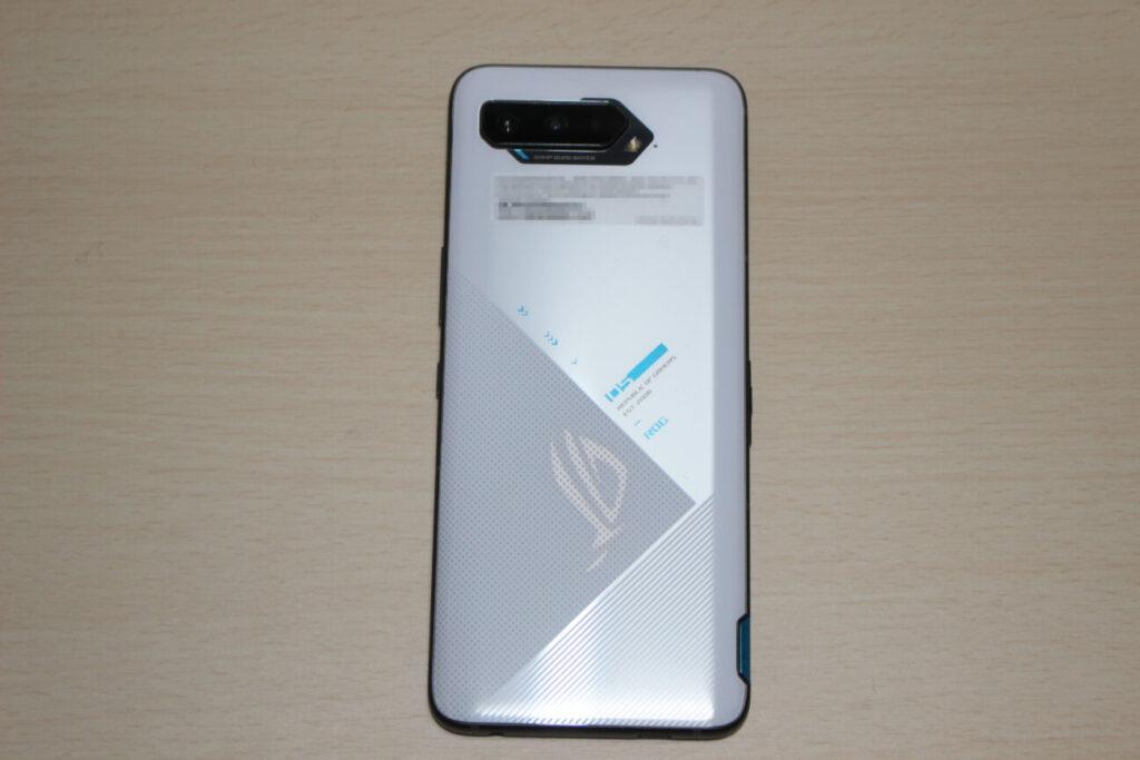 「ROG Phone 5」のの背面