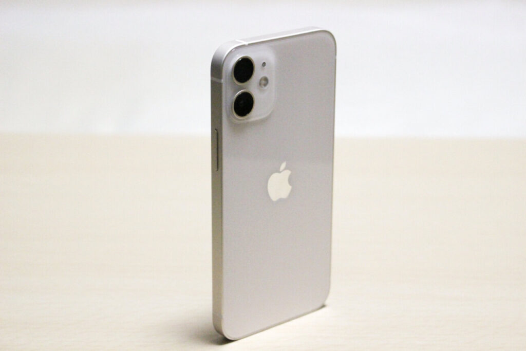「iPhone12mini」を立たせる