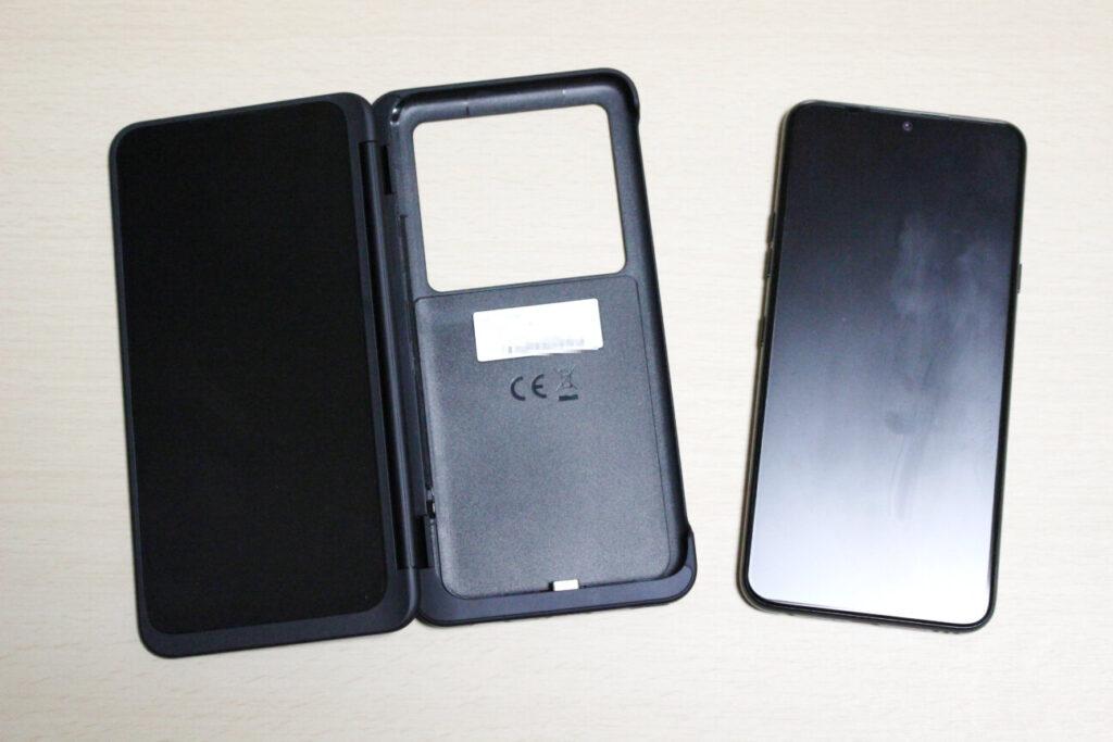 LG G8X ThinQのデュアルスクリーンカバーと本体